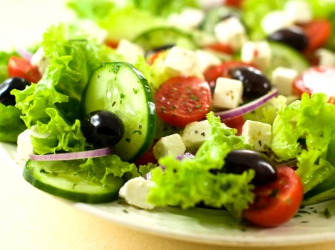 Food_Differring_meal_Greek_salad_033736_