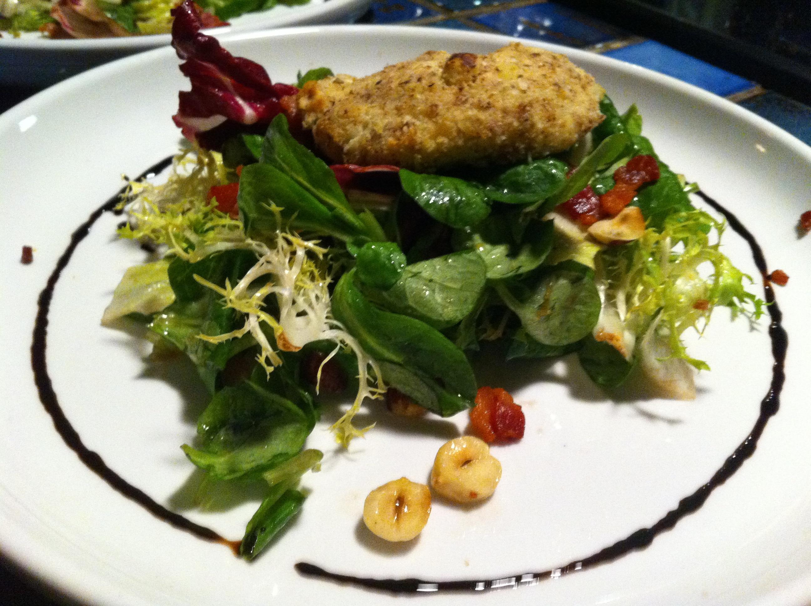 Halzelnut crusted Goat cheese salad